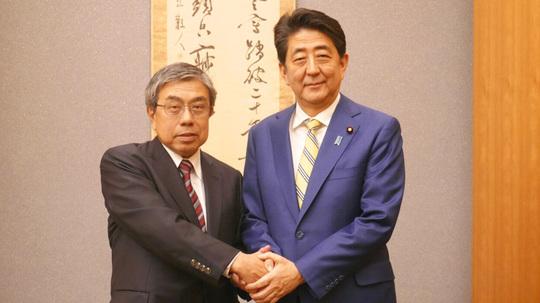 news_20190315_main(安倍総理小西氏).jpg